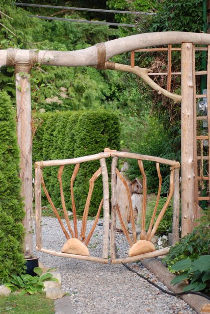 make a funky inexpensive garden gate shoe string life style