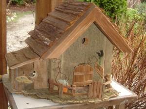 Cedar-bark roof, side cabin
